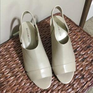 Shoes - NWOT BANDALINO wedge heel